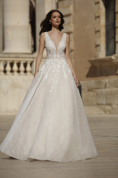A-lijn prinses trouwjurk met heel mooie decolleté en blote rug