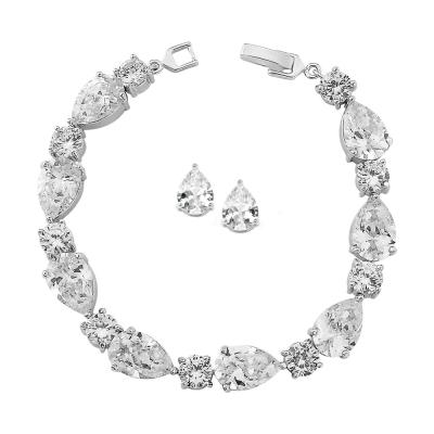 Kristallen armband - code 1186.A - € 60 & oorbellen code 3514 - € 20