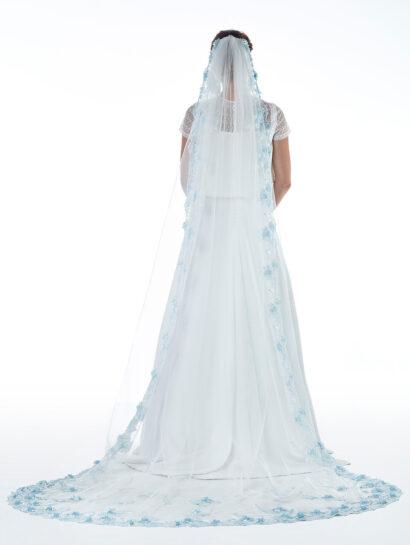 Bruidssluier s151 - 280cm met blauwe bloemen € 300