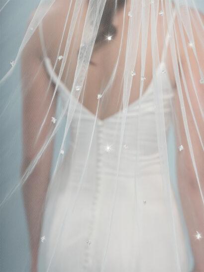 Bruidssluier Bruidssluier versierd met kristallen en strass-steentjes S401 120cm €120
