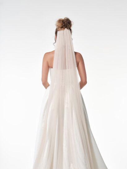 Bruidssluier - Enkellaagse sluier van zachte tule zonder potloodrand. Lengte 300 cm, breedte 300 cm. Vieux rose - Prijs € 105